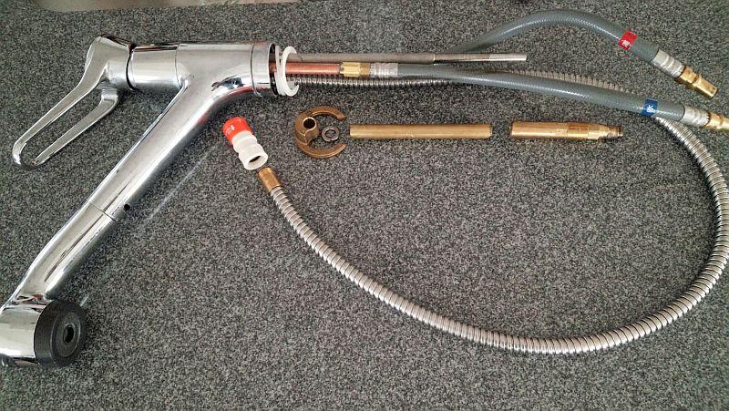 ... シングルレバー混合栓栓 KM5021T